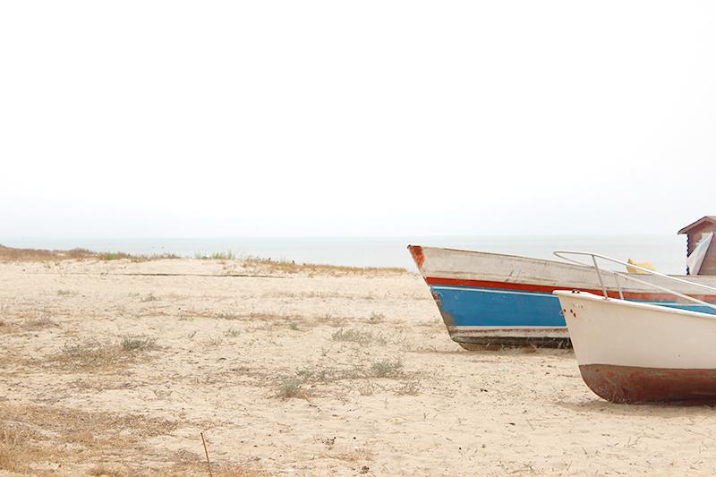 barquitas en la playa - retos para hacer fotografias en verano - Once a Day blog